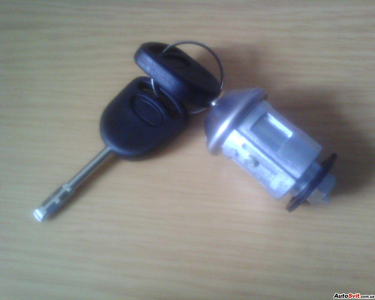 Форд фокус 2 замена замка зажигания и личинок 3 фотография